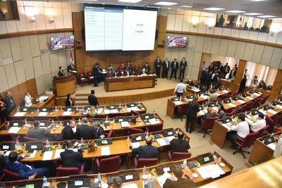 Parlamentarios conforman Comisión Permanente y se alistan para sus largas vacaciones
