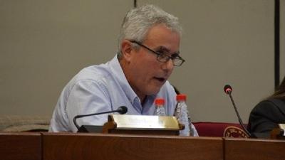 Senador Zavala trató de incoherente al ministro de Hacienda