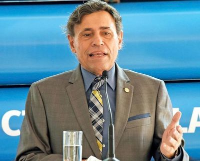 """""""Conacyt es una empresa (...), hay que administrar; no hay que inventar nada"""", afirma Felippo"""