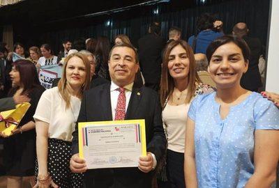 Carrera de Kinesiología y fisioterapia de la UNA recibió acreditación de ANEAES