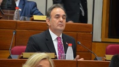 """Monges acusa a Riera de tener una """"ambición desmedida"""""""
