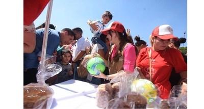 """Oficina de la Primera Dama y la EBY llevarán un """"Regalo de Amor"""" a niños de Misiones"""