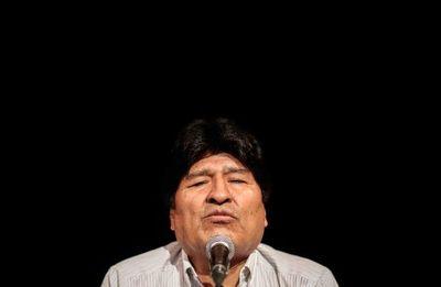 Argentina aclara que sigue en trámite el pedido de refugio de Evo Morales