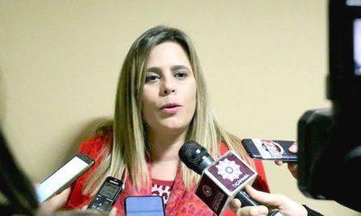 Kattya González propone reemplazo directo de intendente de Lambaré para evitar dos elecciones en 2020
