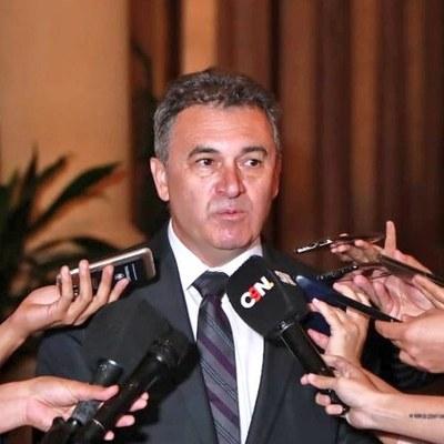 """Titular de ANDE aseguró que Cáceres tiene """"desconocimiento total"""" sobre acuerdo"""