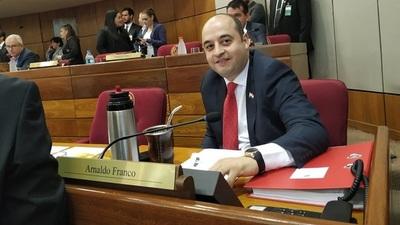 Arnaldo Franco preside la Comisión Permanente del Congreso