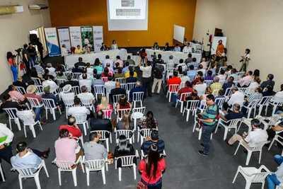 Gobierno y organizaciones evalúan avances realizados en beneficio del sector campesino