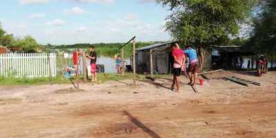 Ribereños de «Calaverita» siguen aguardando al gobernador