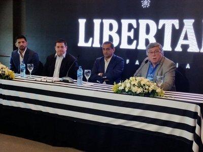 """Libertad presenta a Ramón Díaz: """"Quiero un equipo agresivo y con buen fútbol"""""""
