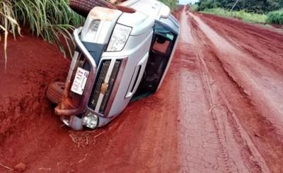 Desvalijan vivienda y roban camionetas tras maniatar a las víctimas