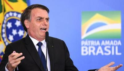 """Bolsonaro a un periodista que le preguntó sobre corrupción: """"Usted tiene una increíble cara de homosexual"""""""
