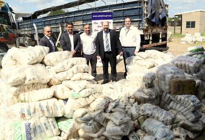 Aduanas entregó 20 toneladas de alimentos a diversas instituciones