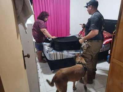 """SENAD DESPLEGÓ OPERATIVO LEOS EN ENCARNACIÓN DONDE CAYÓ """"LA TÍA"""""""