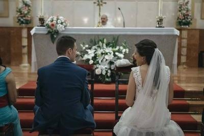 HOY / Escándalo en Iglesia: mujer intentó impedir boda de su hijo en Caaguazú