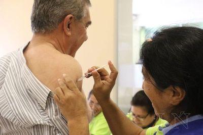 Recuerdan a viajeros contar con carnet internacional de vacunación