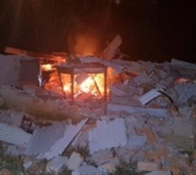 Incendian adrede vivienda en asentamiento
