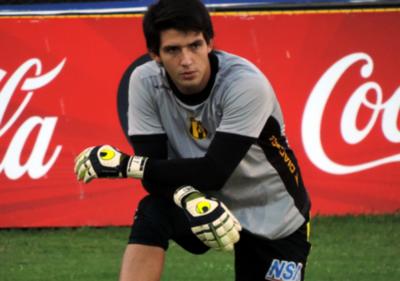 HOY / Guaraní marca distancia de Antonio Franco y el tema doping