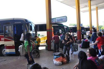 Alrededor de 60 mil pasajeros por día pasan por la Terminal de Asunción