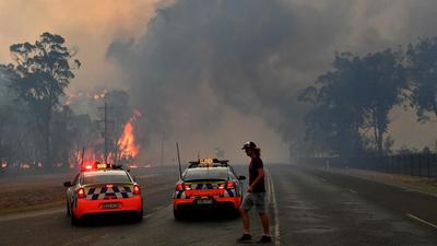 Devastadores incendios de Australia en manos de miles de bomberos voluntarios