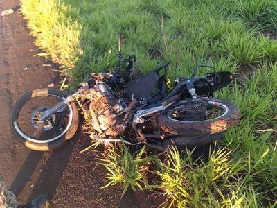 Motociclista fallece tras ser embestido por una camioneta