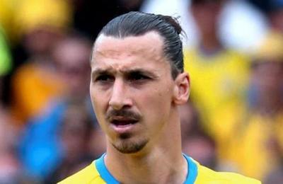 Estatua de Zlatan Ibrahimovic: ahora le robaron la nariz y le cortaron un pie
