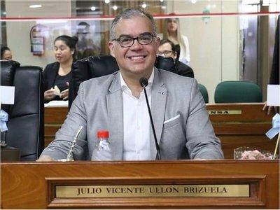 Ullón anuncia su precandidatura a Intendencia de Asunción