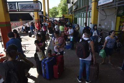 Más de 400.000 personas ya pasaron por la Terminal de Ómnibus de Asunción desde inicio del operativo fiestas
