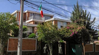 """México denuncia incremento del """"acoso"""" a su embajada en Bolivia"""