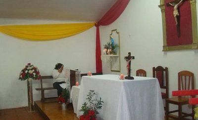 Hurtan capilla en Navidad