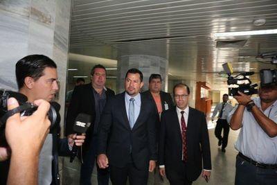 Adherentes de Quintana y escrachadores se enfrentaron en Palacio de Justicia