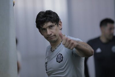 Roberto Ovelar vuelve al fútbol colombiano