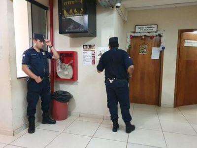 Javier Zacarías madruga para evadir a la prensa y llega media hora antes a su audiencia