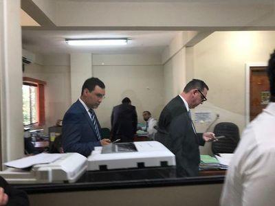 "Zacarías se presenta con un ""batallón"" de abogados en su audiencia"