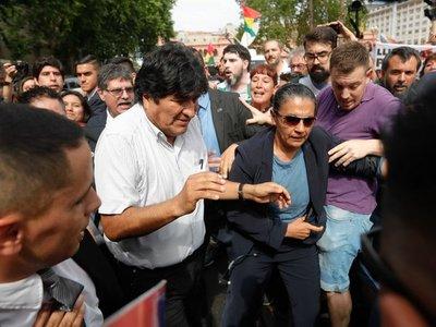 Locura por Evo Morales en su encuentro con Madres de Plaza de Mayo