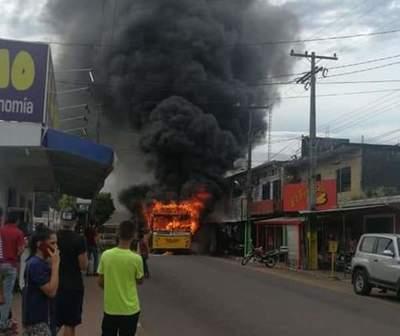 Bus de la línea 26 se incendió en Ñemby