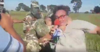 Milico agredió a periodista en vivo y en directo