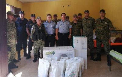 Horqueta: Agentes policiales reciben enseres de sus autoridades