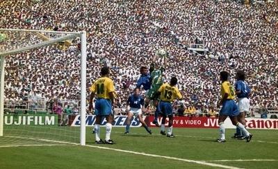 HOY / Veteranos de Brasil e Italia reeditarán la final del Mundial de EE.UU. 94