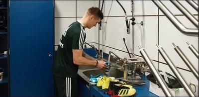 Los secretos de Kroos: Él limpia sus botines y no tiene fotos con la Copa del Mundo
