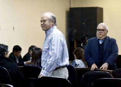 Tribunal define si Bower es culpable de torturas