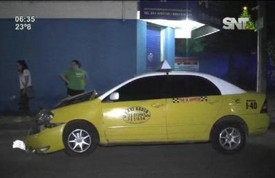 Taxista chocó contra motociclista