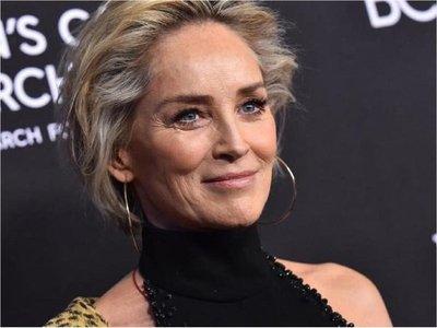 App de citas bloqueó a Sharon Stone por reportes de perfil falso