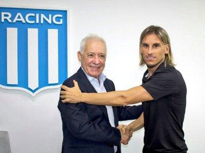 Racing presenta a Beccacece, extécnico de Independiente