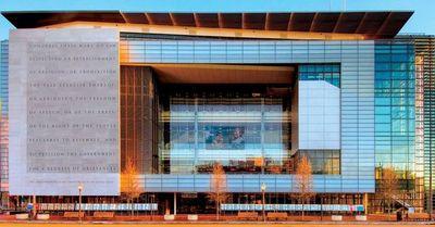 Termina el año y cierra el Newseum, el museo de la prensa en Washington