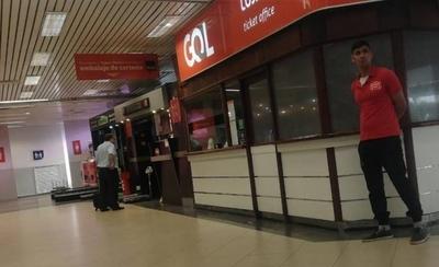 HOY / Denuncian rosca mafiosa en aeropuerto: locatarios están en pie de guerra