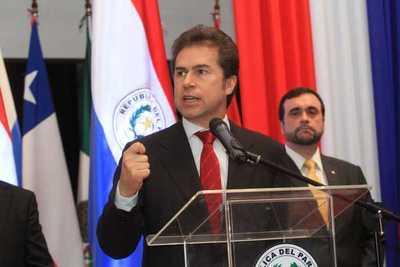Castiglioni, Jiménez y Saguier ponen sus cargos a disposición