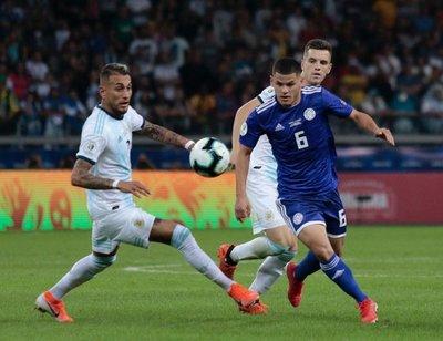 El VAR metió mano y a la Albirroja se le escapó la victoria ante Argentina