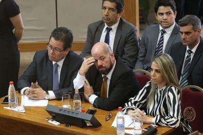 La destitución del contralor depende de Mario Abdo
