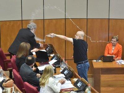 Galaverna sostiene que Arnaldo Franco debe ocupar la bancada que deja Payo