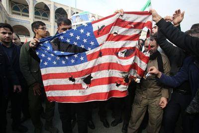 Irán clama venganza tras la muerte de poderoso general en bombardeo de EEUU en Irak